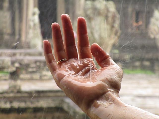 Manos-lluvia